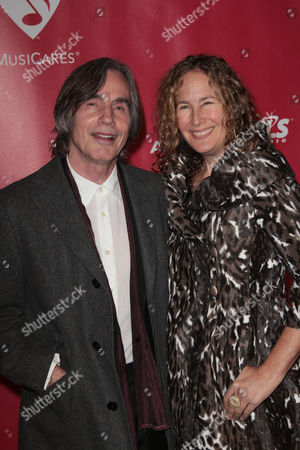 Jackson Browne and Dianna Cohen