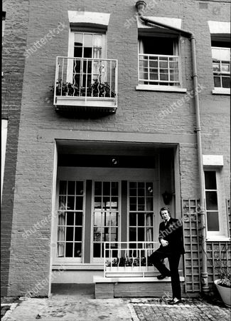 Actor And Comedian Lance Percival Outside His London Home Lance Percival (born 26 July 1933) Is An English Actor Comedian And After-dinner Speaker.
