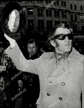Actor And Comedian Lance Percival Leaving Moorfields Eye Hospital After Car Crash Lance Percival (born 26 July 1933) Is An English Actor Comedian And After-dinner Speaker.