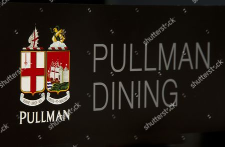 Pullman Dining  logo