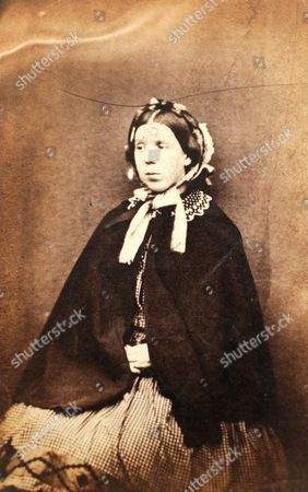 """Jane Green, alias Elizabeth Locker, 20, who has been sentenced for four years for stealing. She is described as a married stocking weaver, from Nottingham, with a fresh complexion and a """"very long face."""""""