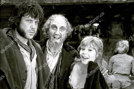 'Oliver!', Oliver Reed, Ron Moody and Shani Wallis