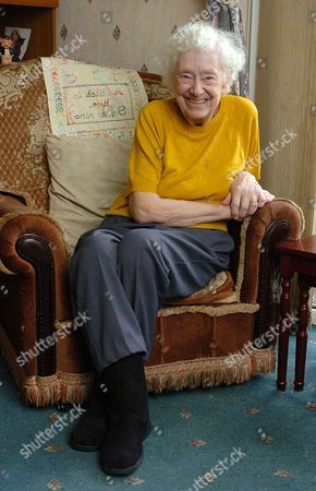 Stock Image of Ivy Edwards Former Labour Voter And Warrington Mayor Who Met Health Secretary John Reid During The Nhs Crisis Over The Case Of Margaret Dixon.