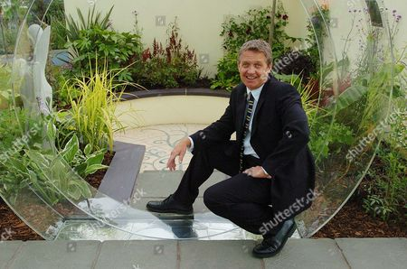 Former Brookside Actor Steven Pinder Pictured In The Born To Perform Garden Designed And Created By The Pupils From The Hammond School In Chester At The Royal Horticutural Society (rhs) Flower Show At Tatton Park In Knutsford Cheshire.