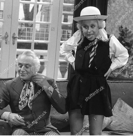 Patrick Cargill and Barbara Windsor