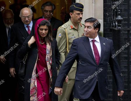 Pakistan's Foreign Minister Hina Rabbani Khar and Prime Minister Raja Pervaiz Ashraf