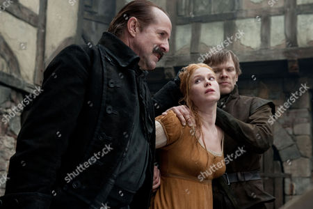 Hansel And Gretel Witch Hunters - Peter Stormare and Pihla Viitala