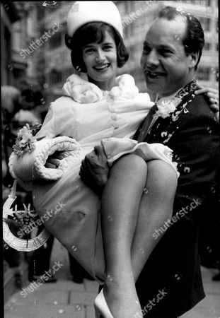 Wedding Of Actor Harry Towb To Actress Diana Hoddinott (mrs Diana Towb) At Caxton Hall Harry Towb (27 July 1925 Oo 24 July 2009) Was A Northern Irish Actor. Harry Towb Was Married To The Actress Diana Hoddinott For 44 Years Until His Death. He Died At His Home In London From Complications Due To Cancer. As His Obituary In The Times Said 'asked Once Why He Had Become An Actor Harry Towb Said It Was Because He Had Always Wanted To Be Someone Else.' His 'being Fascinated By Others... Made Him One Of The Finest Character Actors Of His Day ' The Times Continued. Towb Said One Critic Oocan Be Relied Upon To Add Distinction To Any Productionoo.' He Is Survived By Diana And Their Children (emily Daniel And Joshua) And Three Granddaughters. Towb Was Jewish And In 1983 Recorded A Documentary Odd Men In About Belfast's Jewish Community. He Would Describe His Interview With Belfast-born Chaim Herzog For This Documentary As His Proudest Moment.