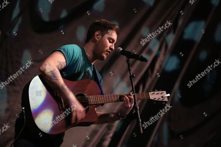 Eddie Brett of The Loveable Rogues