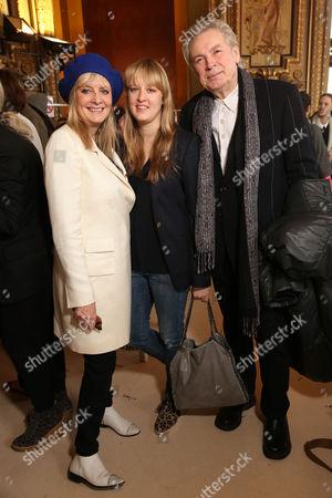 Twiggy, Leigh Lawson and Carly Lawson
