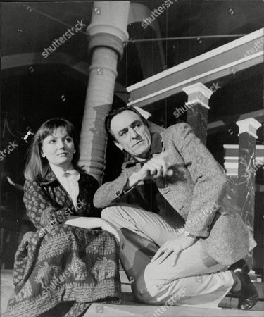 Actor Eric Porter With Actress Sarah Badel Eric Richard Porter (8 April 1928 Oo 15 May 1995) Was An English Actor Of Stage Film And Television.