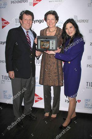 Nicholas Kristof, Diane Taylor and Sheryl WuDunn