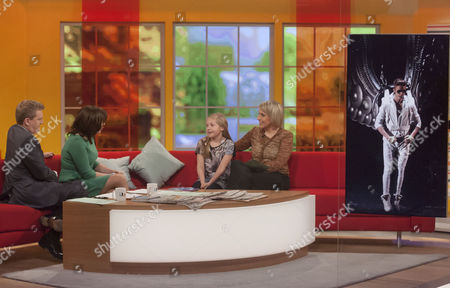 Aled Jones and Lorraine Kelly with Louise Cooper and Daughter (Bieber concert)