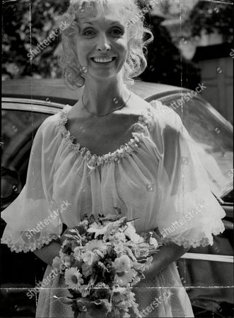 Actress Nyree Dawn Porter At Her Wedding To Robin Halstead At St Mary's Church The Bolton's Kensington Nyree Dawn Porter Obe (22 January 1936/1940 Oo 10 April 2001) Born Ngaire Porter ('nyree' Is The Phonetic Spelling Of The Anglicised Pronunciation Of Her Name) Was A New Zealand-born Actress Of Stage Film And Television.