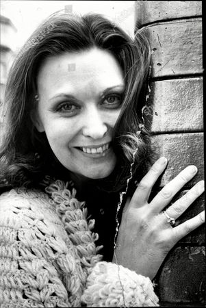 Actress Nyree Dawn Porter Nyree Dawn Porter Obe (22 January 1936/1940 Oo 10 April 2001) Born Ngaire Porter ('nyree' Is The Phonetic Spelling Of The Anglicised Pronunciation Of Her Name) Was A New Zealand-born Actress Of Stage Film And Television.