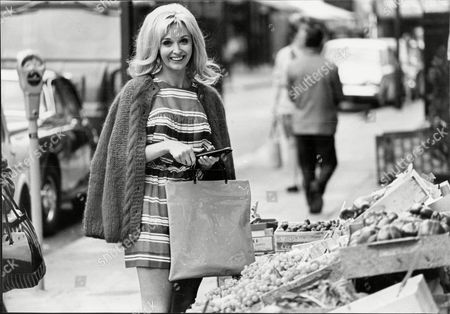 Actress Nyree Dawn Porter Shopping Nyree Dawn Porter Obe (22 January 1936/1940 Oo 10 April 2001) Born Ngaire Porter ('nyree' Is The Phonetic Spelling Of The Anglicised Pronunciation Of Her Name) Was A New Zealand-born Actress Of Stage Film And Television.