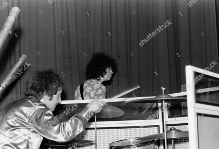 THE JIMI HENDRIX EXPERIENCE WITH MITCH MITCHELL AND NOEL REDDING