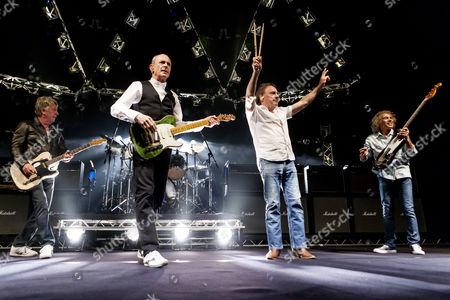 Status Quo - Rick Parfitt, Francis Rossi, John Coghlan, Alan Lancaster