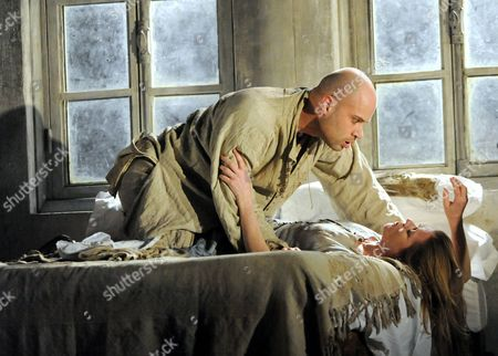 Stock Picture of Barbara Hannigan as Agnes and Bejun Mehta as Boy