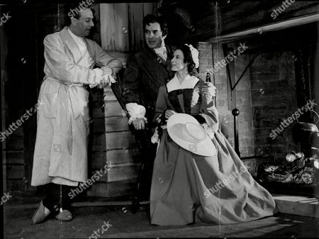 Editorial picture of Actor Tyrone Power With Actress Clare Austin Discuss Their Parts In The Play 'the Devils Disciple' With Director Noel Williams Tyrone Edmund Power Jr. (may 5 1914 Oo November 15 1958) Was An American Film And Stage Actor. From 1930s To The 1950s Po