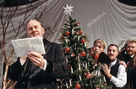 Richard Briers (Malvolio), James Simmons (Sir Andrew Aguecheek), Shaun Prendergast (Fabian), James Saxon (Sir Toby Belch)