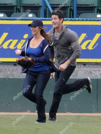 Jennifer Love Hewitt and Brian Hallisay