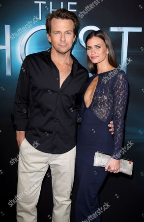Stock Photo of Sean Patrick Flanery and Lauren Michelle Hill