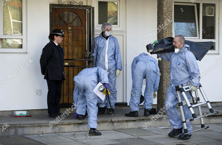 Police And Forensic Officers Outside The Family Home Of Gemma Mccluskie And Her Brother Tony. Tony Mccluskie Has Been Arrested Following The Discovery Of A Headless Torso In The Canal Near Their Home In East London. Gemma Mccluskie Has Been Missing For A Week.