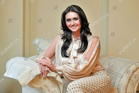 Charlotte Dawson Daughter Of Les Dawson. Les Dawson's Widow Tracey Dawson Who Is Moving From The Family Home In Lytham St Annes Lancs After More Than 26 Years Due To Financial Problems.