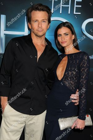 Sean Patrick Flanery and Lauren Michelle Hill