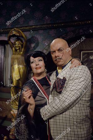 Isa Miranda and Kenneth J Warren.