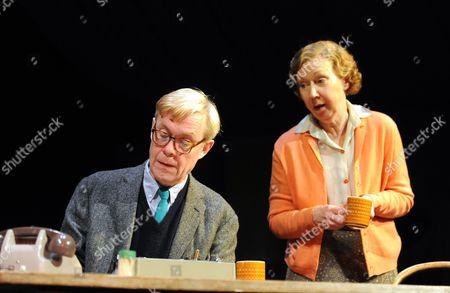 Alex Jennings as Alan Bennett and Gabrielle Lloyd as Mam
