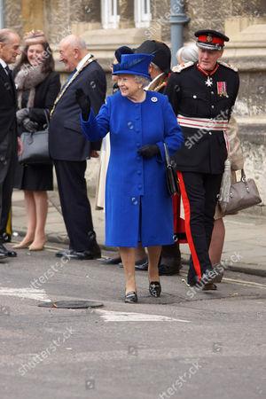 Queen Elizabeth II and Sir Tim Stevenson