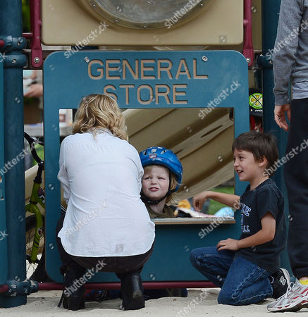 Amy Poehler and sons Abel Arnett and Archibald Arnett
