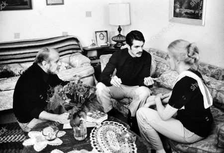 """BOB FOSSE (DIRECTOR) ON SET """"STAR 80"""" WITH Eric Roberts AND Carroll Baker"""