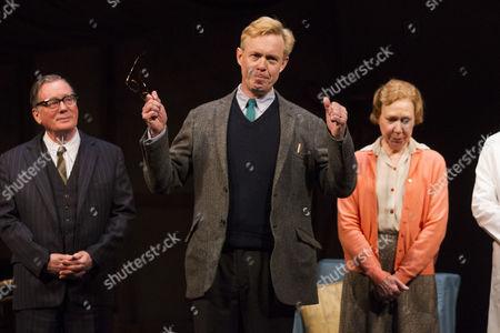 Jeff Rawle (Dad), Alex Jennings (Alan Bennett) and Gabrielle Lloyd (Mum)