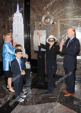 Yoko Ono and Suzanne Wright and Bob Wright