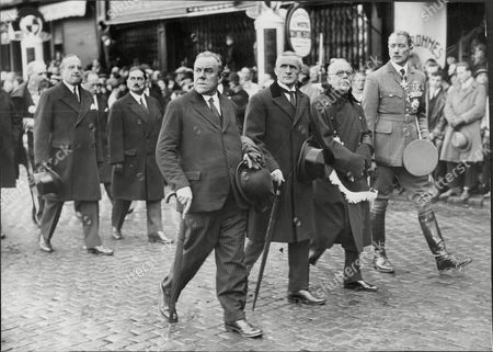 L-r Sir John Salmond Lord Tynell William Wedgwood Benn 1st Viscount Stansgate And Mr Montague Mp Marshal Of The Royal Air Force Sir John Maitland Salmond Gcb Cmg Cvo Dso And Bar (17 July 1881 Oo 16 April 1968) Was A British Military Officer Who Rose To High Rank In The Royal Flying Corps And Then The Royal Air Force. During The First World War He Served A Squadron Commander As A Wing Commander And Then As General Officer Commanding The Raf On The Western Front Towards The End Of The War. He Went On To Be Air Officer Commanding British Forces In Iraq In The Early 1920s When He Halted A Turkish Invasion And Sought To Put Down A Kurdish Uprising Against King Faisal The British-sponsored Ruler Of Iraq. He Was Chief Of The Air Staff In The Early 1930s And Bitterly Opposed The Position Taken By British Politicians At The World Disarmament Conference In Geneva Which Would Have Led To The Uk's Complete Aerial Disarmament. In The Event The Talks Broke Down When Hitler Withdrew From The Conference In October 1933.