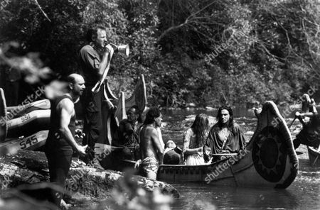 Michael Mann (Dir) on Set 'The Last of the Mohicans' with Steve Waddington and Daniel Day-Lewis