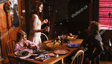 Stock Image of THE HUNTER (2011) Morgana Davies,  Frances O'Connor,   Willem Dafoe
