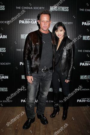 Dean Winters and Jennifer Whalen