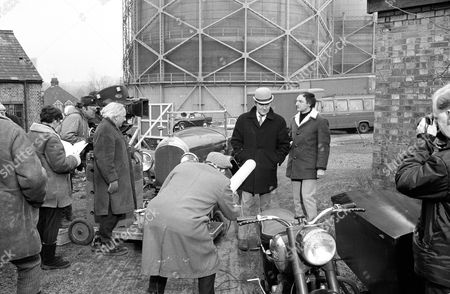 Behind the scenes - Patrick Macnee and Jeremy Young