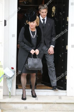 Carol Thatcher and Michael Thatcher leave Margaret Thatcher's home