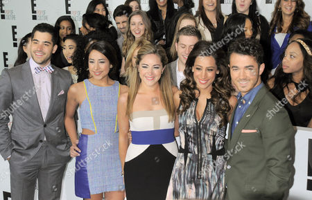"Stock Image of Cast of Married to Jonas - Michael ""Mikey"" Deleasa, Katie Deleasa, Dina Deleasa, Danielle Deleasa and Kevin Jonas"