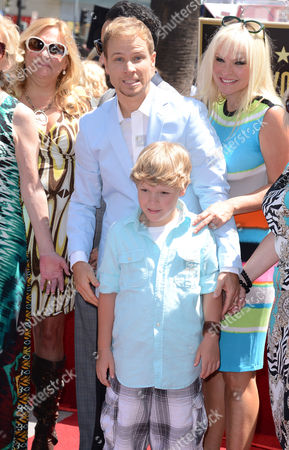 Brian Littrelln Littrell with wife Leighanne Wallace and son Baylee