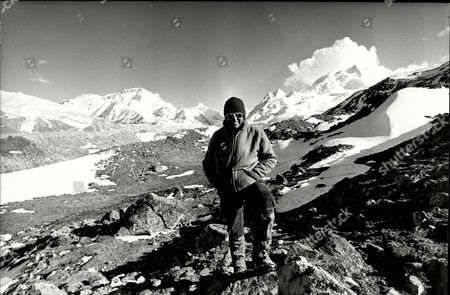 1988 Mail On Sunday Yeti Expedition In Tibet Lead By Mountaineer Chris Bonington In Search Of The Yeti Pictured Iain Walker.