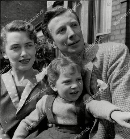 Actor Leslie Randall And Wife Actress Joan Reynolds And Daughter Susan Leslie Randall (born 1924 In South Shields) Is A Film And Television Actor Who Has Worked In Both Britain And America. His Wife Was Joan Reynolds Who He Met When They Were Both In Repertory Theatre In Darlington. He Had A Lengthy Career But Possibly His Most Important Role Was With His Wife In Joan And Leslie Itv's First Home-grown Situation Comedy.[1] He Also Appeared In The Film Version Of Billy Liar (where He Played Danny Boon) Emmerdale The Monkees And I Dream Of Jeannie.