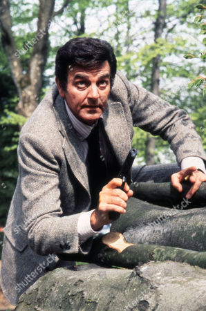 AVALANCHE EXPRESS (1979) Mike Connors