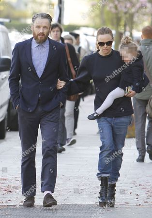 Stock Photo of Alasdhair Willis, Stella McCartney with daughter Reiley Dilys Stella Willis