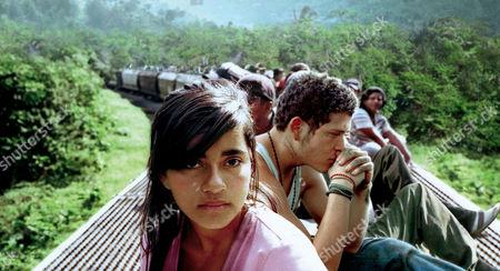 SIN NOMBRE (2009) PAULINA GAITAN, EDGAR FLORES   Cary Fukunaga (DIR) 001 MOVIESTORE COLLECTION LTS